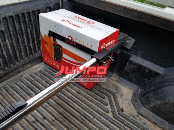 Cách sử dụng thanh chắn hàng thùng xe bán tải